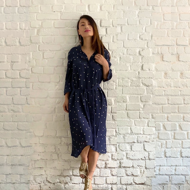 Robe en soie100% imprimé motifs points bleus marine